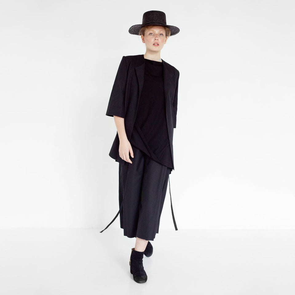 modern pants suit with herringbone pattern by Natascha von Hirschhausen fashion design made in Berlin