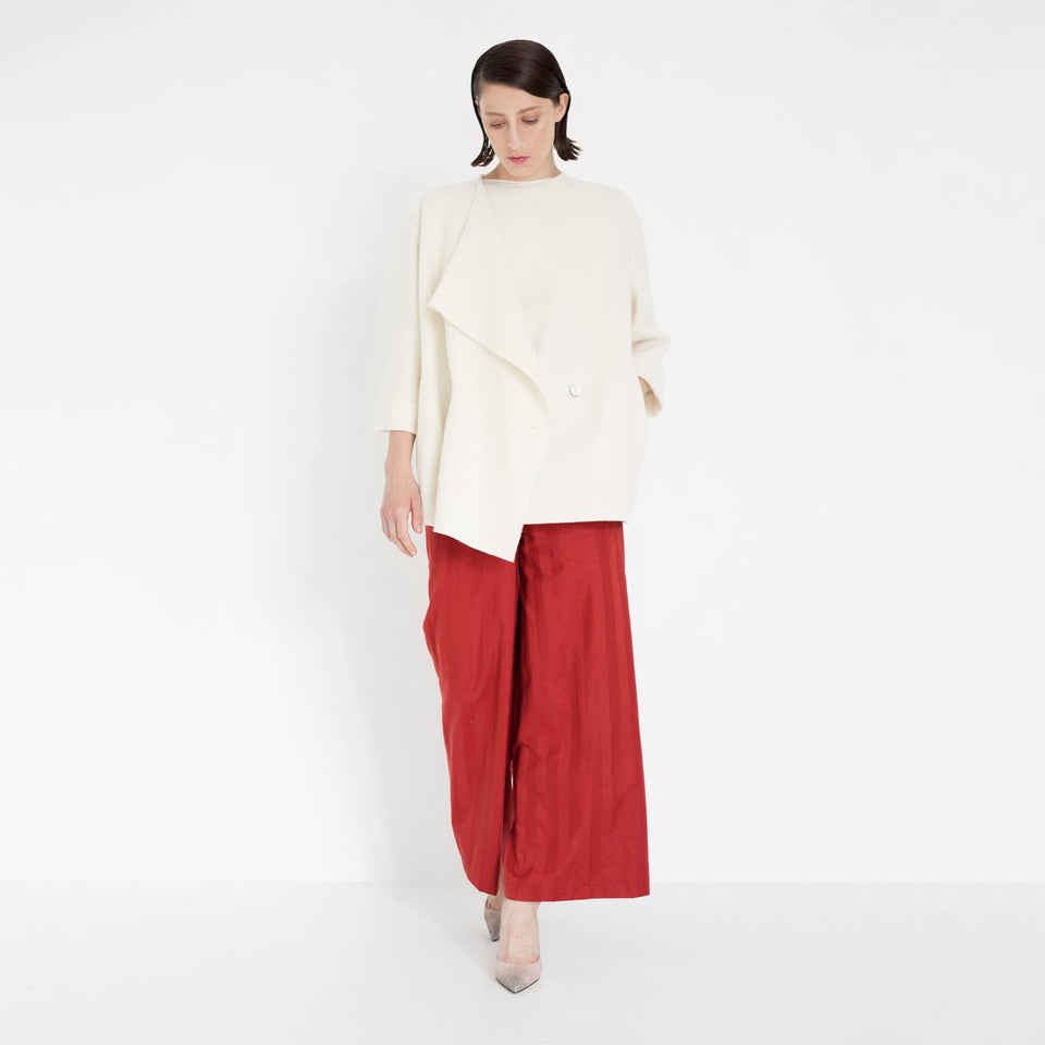 straight organic cotton pants in red by Natascha von Hirschhausen fashion design made in Berlin