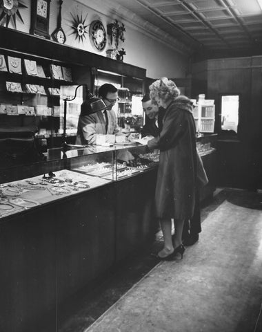 A couple shopping for new jewelry