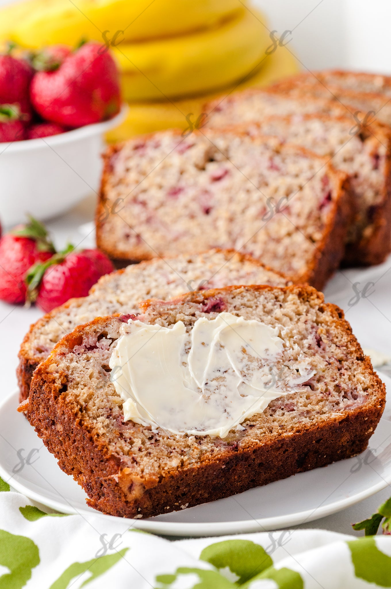 Strawberry Banana Bread - EXCLUSIVE