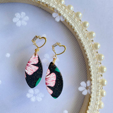 禧 (Happiness) Petal Dangle Clay Earrings