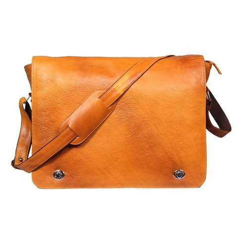 Leather messenger bag (Flap) - Brown