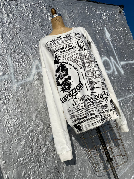 Oversize skull newsprint portrait of an Artist newsprint sweatshirt