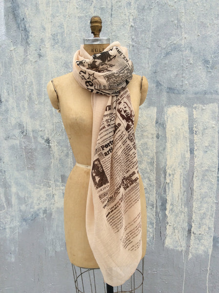 Lavazzon Newsprint light comfy cotton scarf