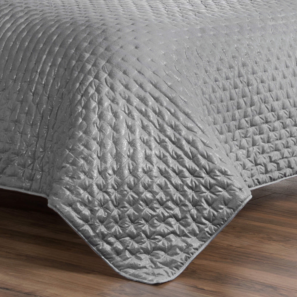 Marlena Light Gray Quilt