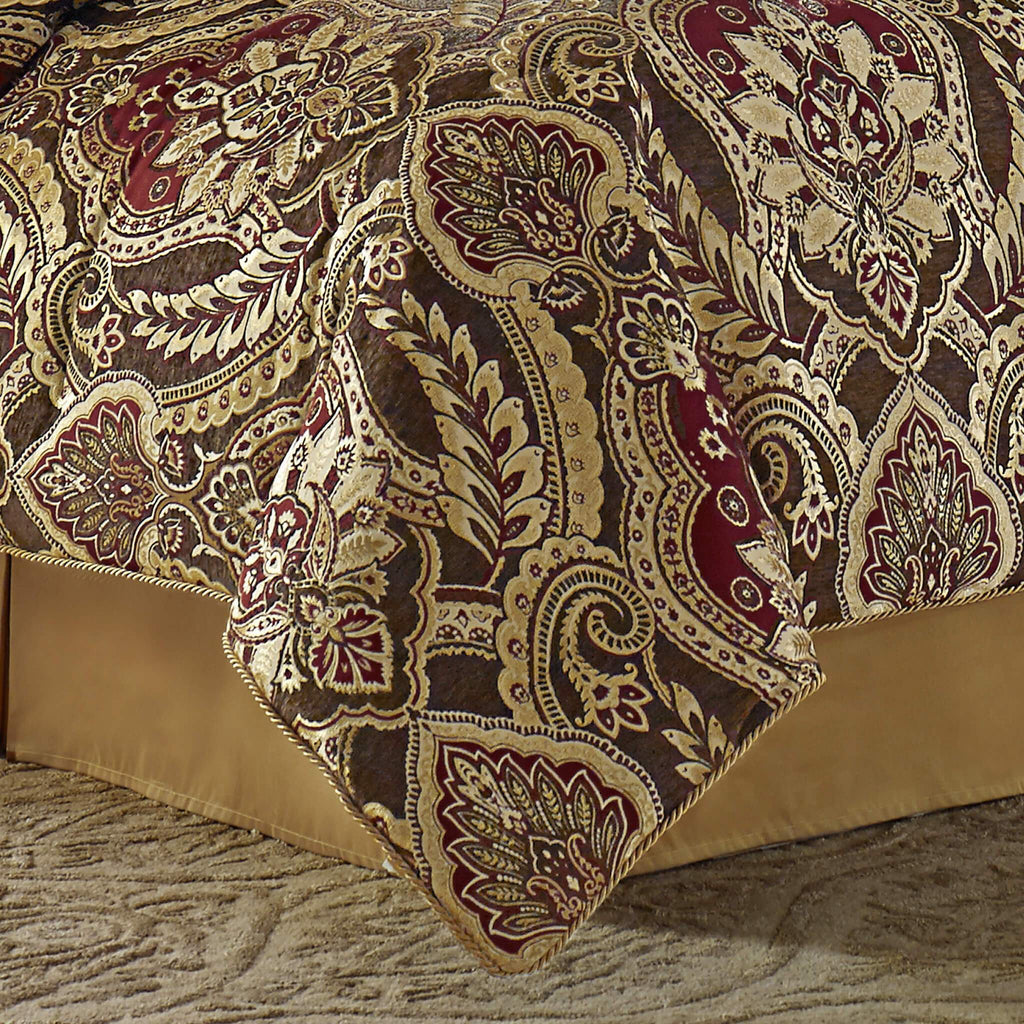 Julius Comforter Set
