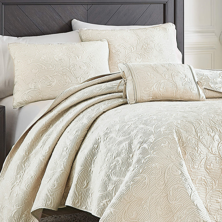 Cosette Ivory Quilt