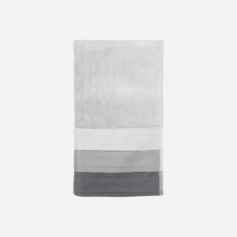 Fairfax Black Fingertip Towel