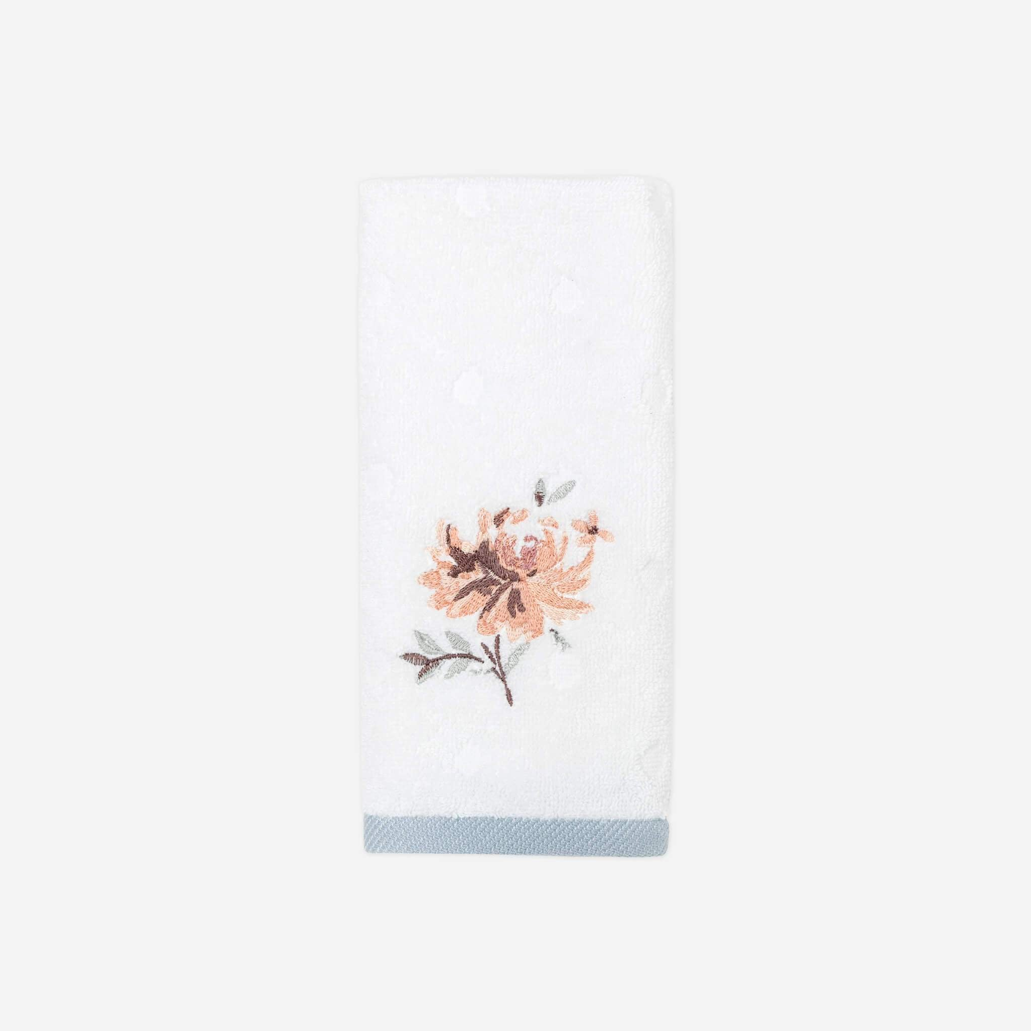Liana Fingertip Towel