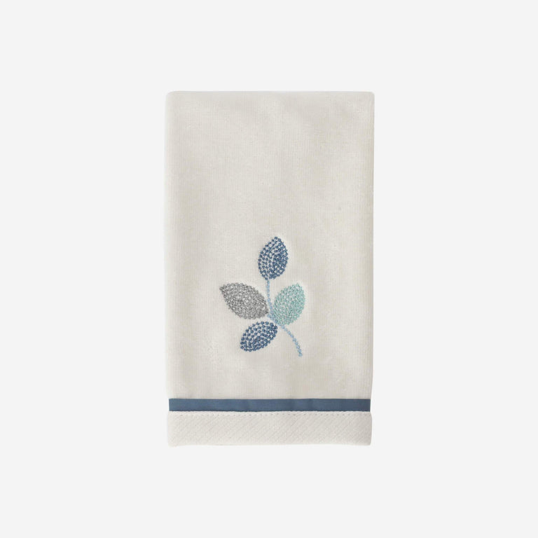 Mosaic Leaves Spa Fingertip Towel