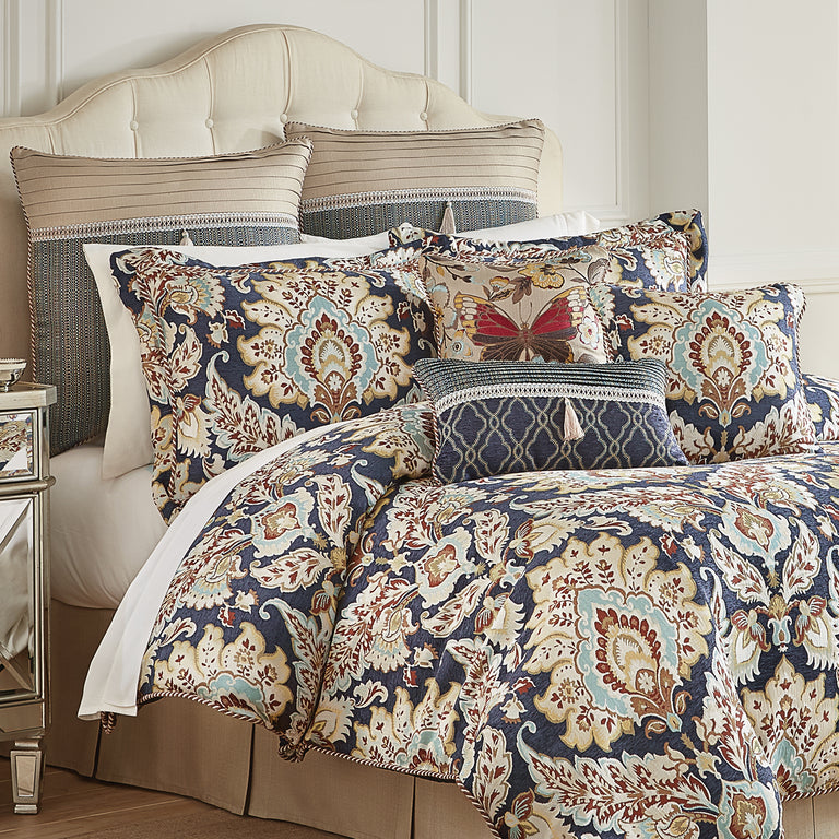 Finnegan_Comforter_Set