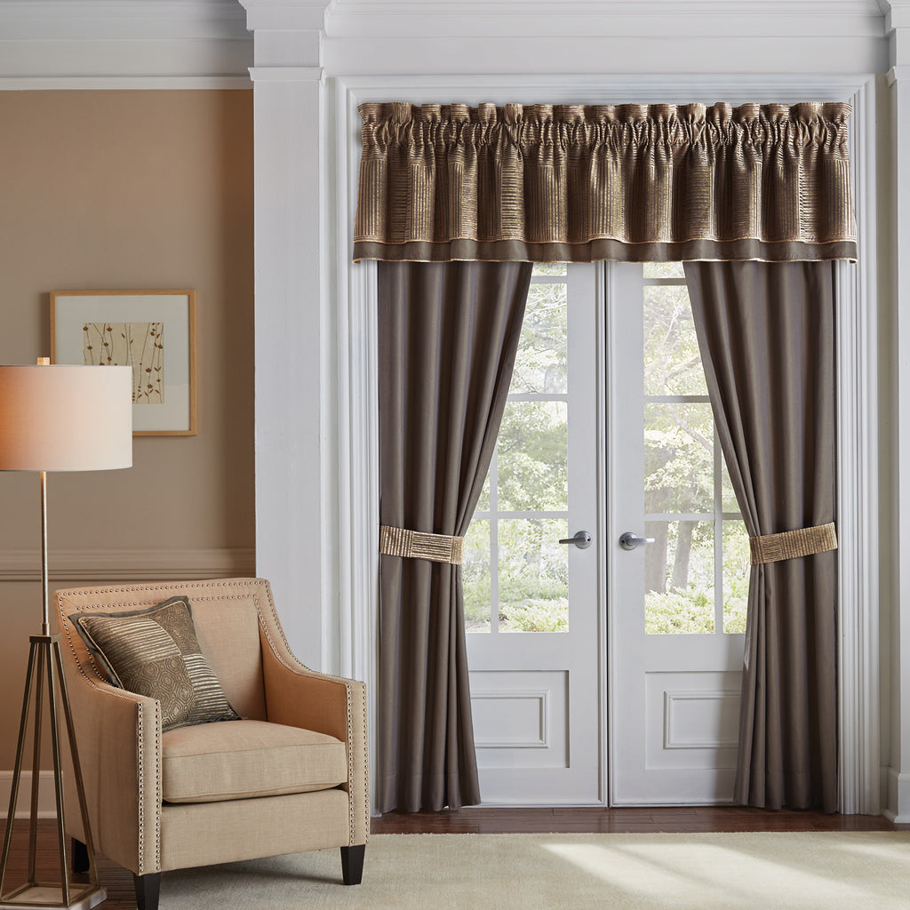 Benson_Curtain_Panel_Pair