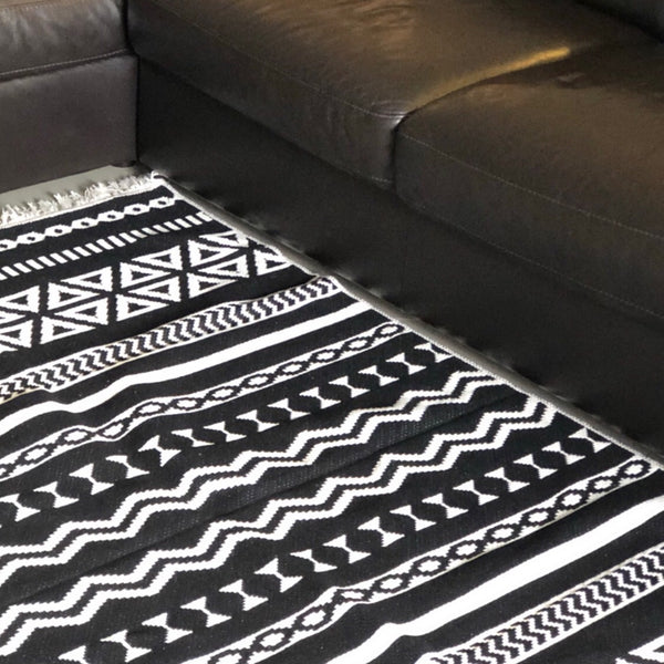 Adam Black and White Modern Rug