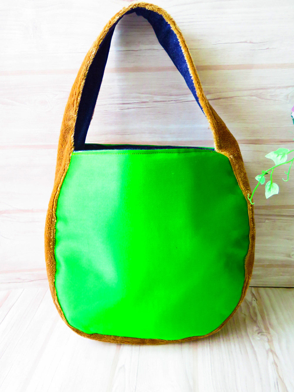 "Japanese tote bag, Japanese silk, Japan fashion bag, Kimono bag, Obi bag, One handle bags, Shoulder tote bag, Round handle bag ""Green wave"""