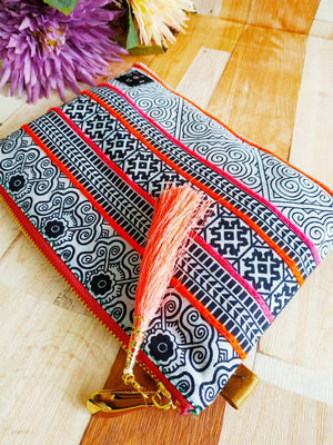 Pouch with zipper, Hmong fabric bag, Pouch bag, Handbag insert, Handbag organizer, Pouch wallet, Cosmetic pouch, Square pouch, Make up bag