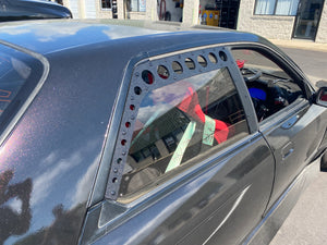 R32 Skyline Rear Window Vents (Sedan)