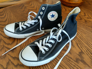 Converse Chuck Taylor All Stars Canvas High Tops Black: Size 8.5m