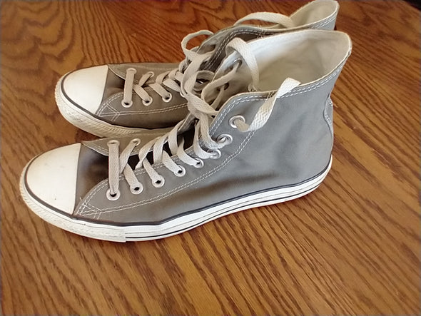 Converse Chuck Taylor All Stars Canvas High Tops Gray: Size 9m