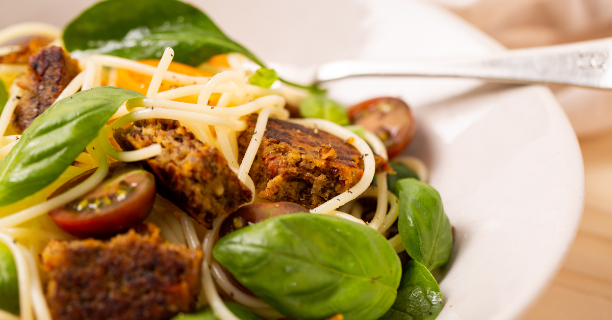 Summer Salad - Spaghetti With Sundried Tomato & Basil Plant Patties