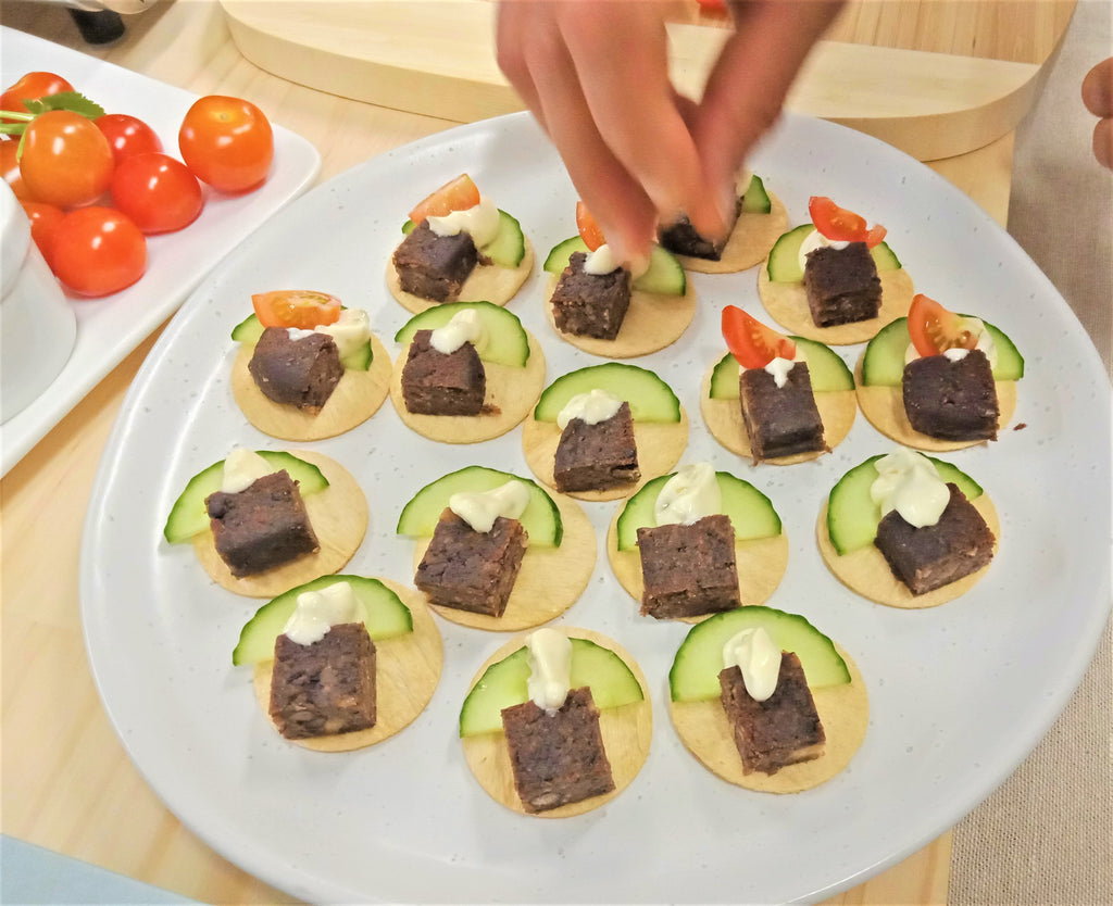 Amino Mantra Vegan Taco with Smoky BBQ Plant Patties 5