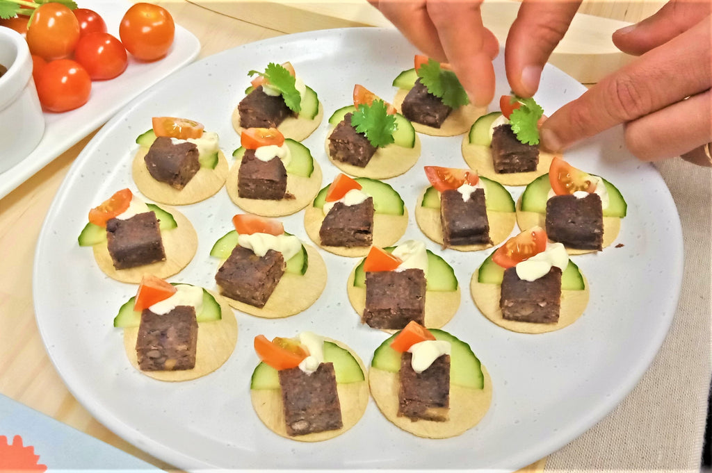 Amino Mantra Vegan Taco with Smoky BBQ Plant Patties 6