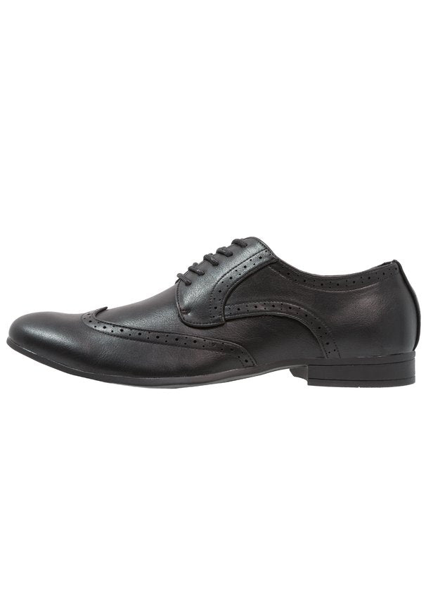 WIN CAP BROGUE BLACK