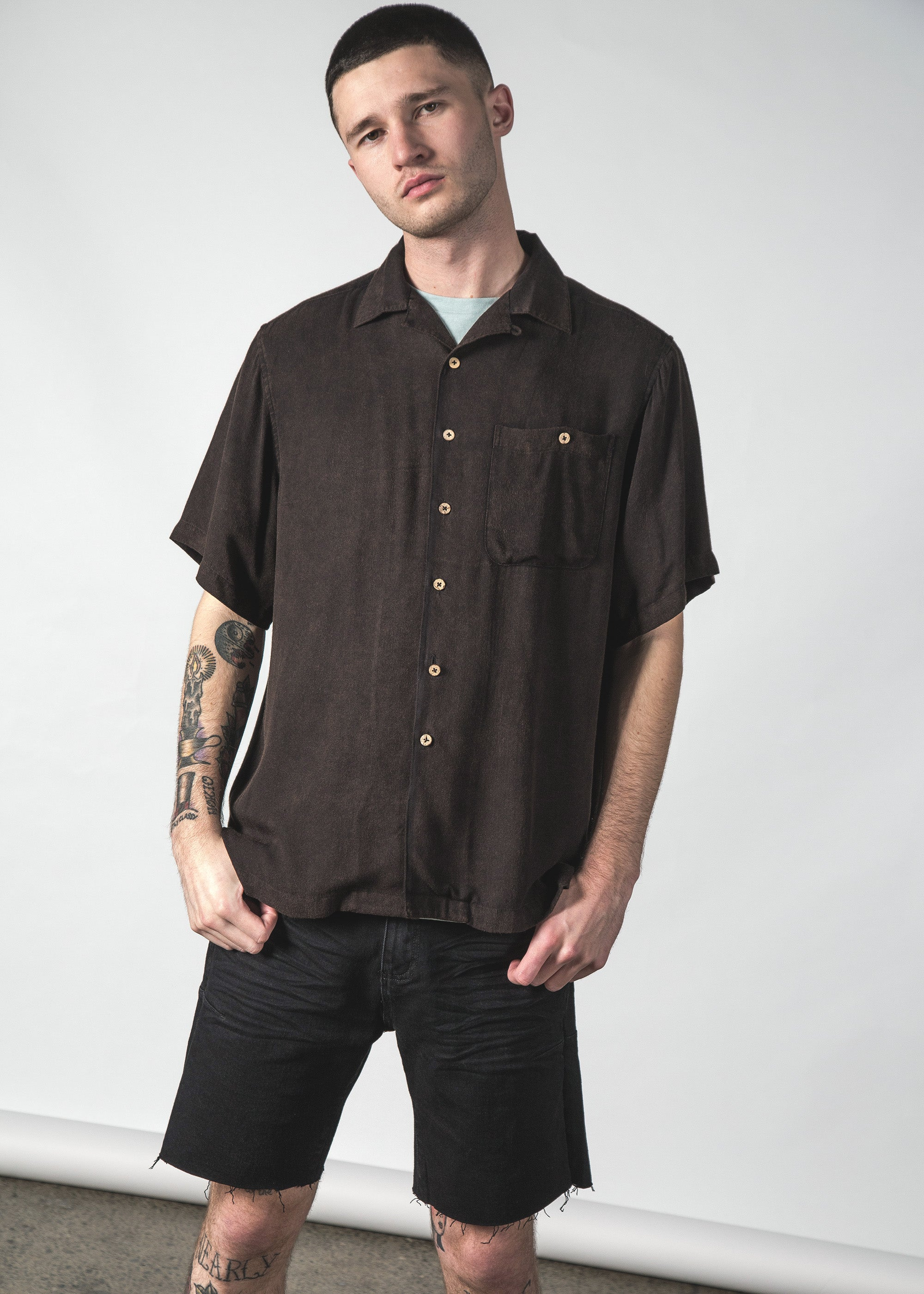 TROPE SHIRT BLACK ENZYME