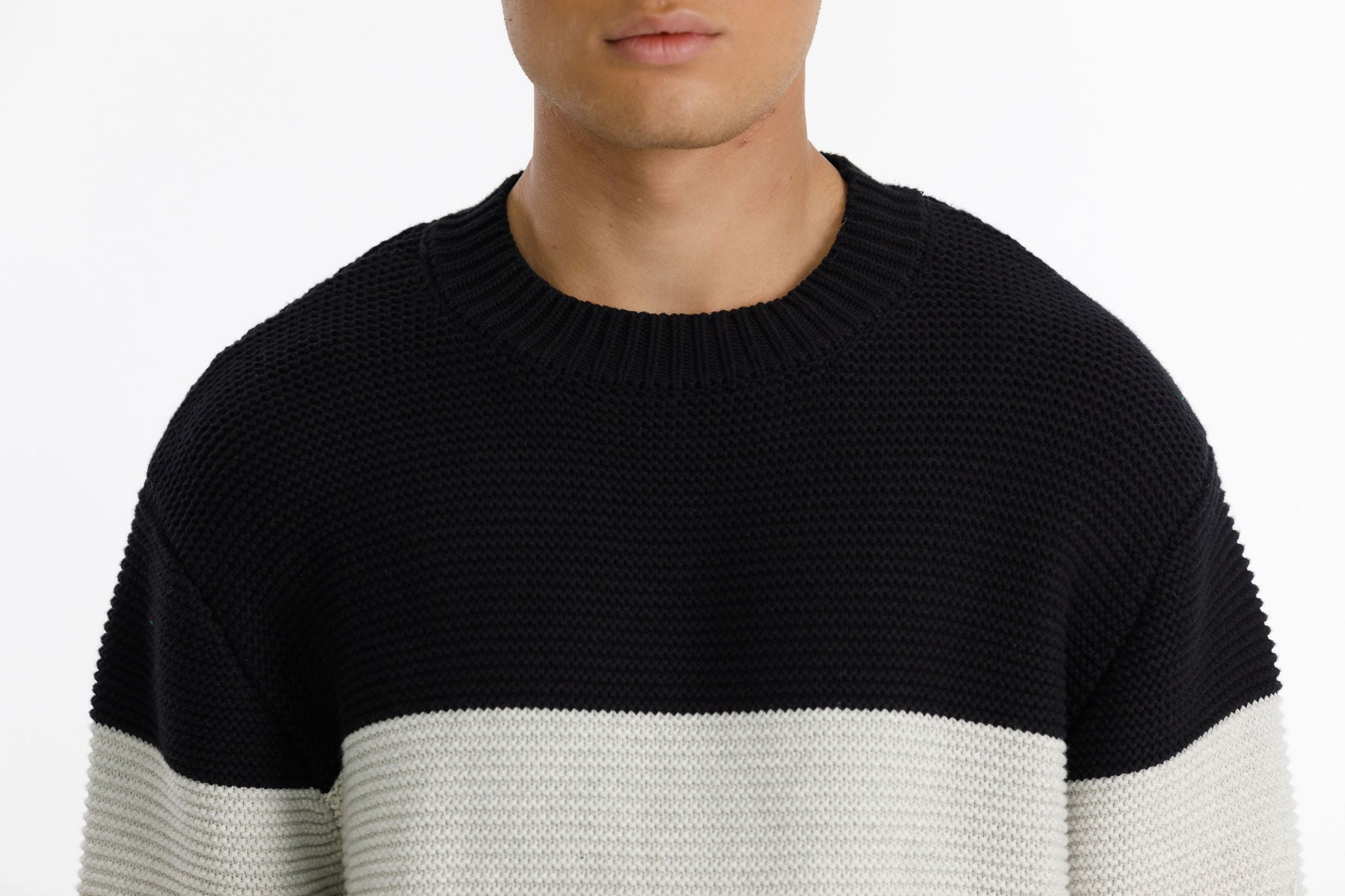 ATTIC SWEATER - Black White