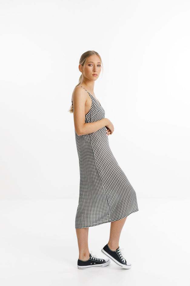 WILDE DRESS - Black Gingham