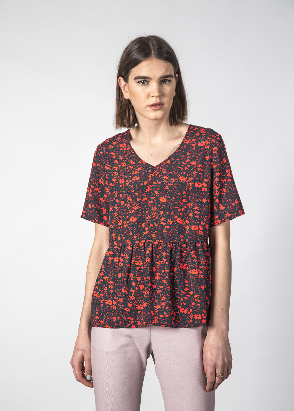 HOLLY TOP GLOWING FLORAL