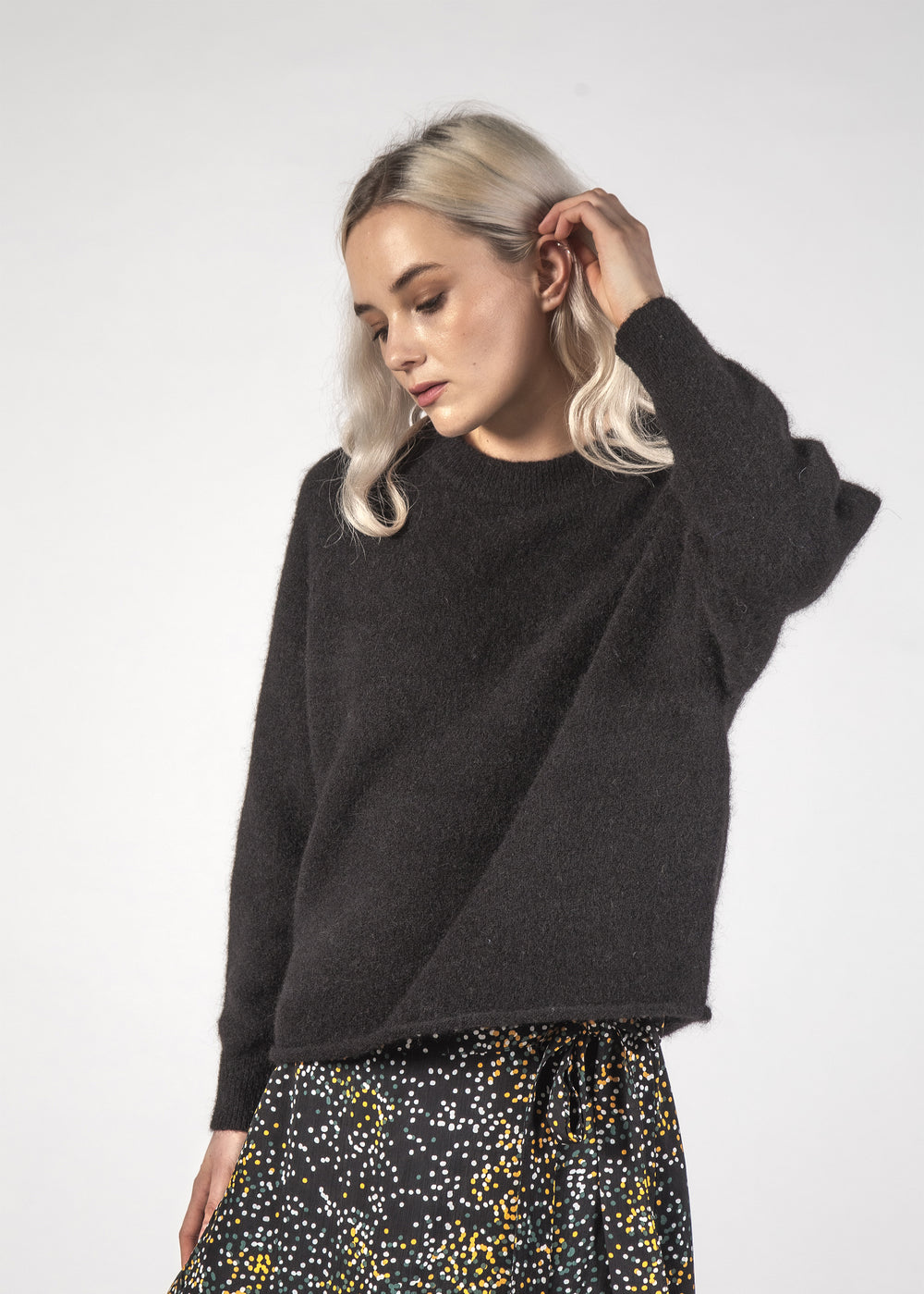 MILA JUMPER - BLACK