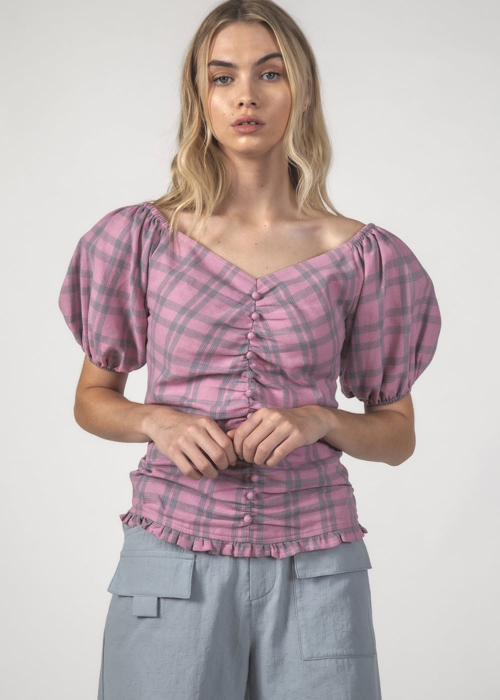 THE PEPPY TOP - BLUSH CHECK