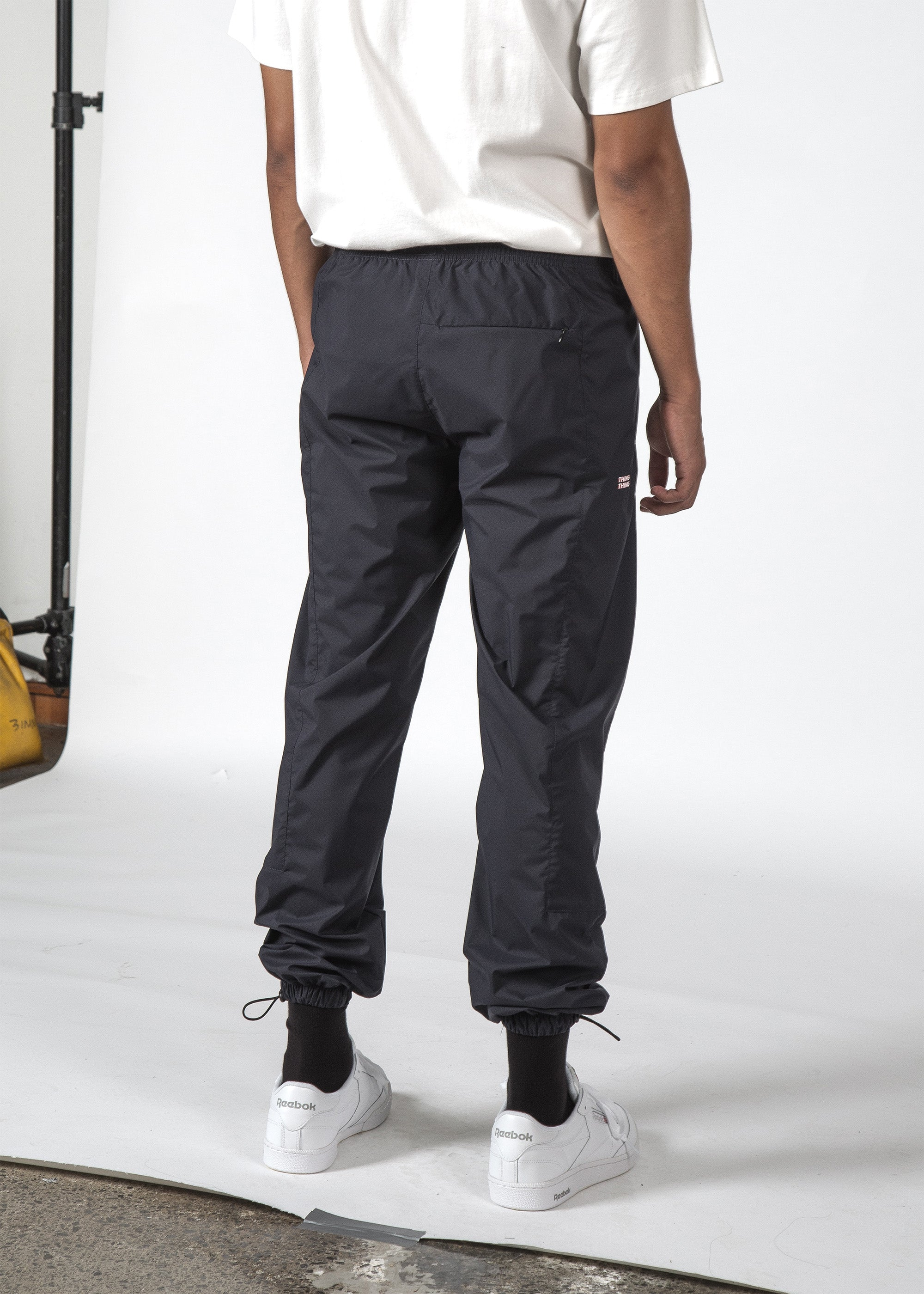 THE METRIC PANT NAVY/RED