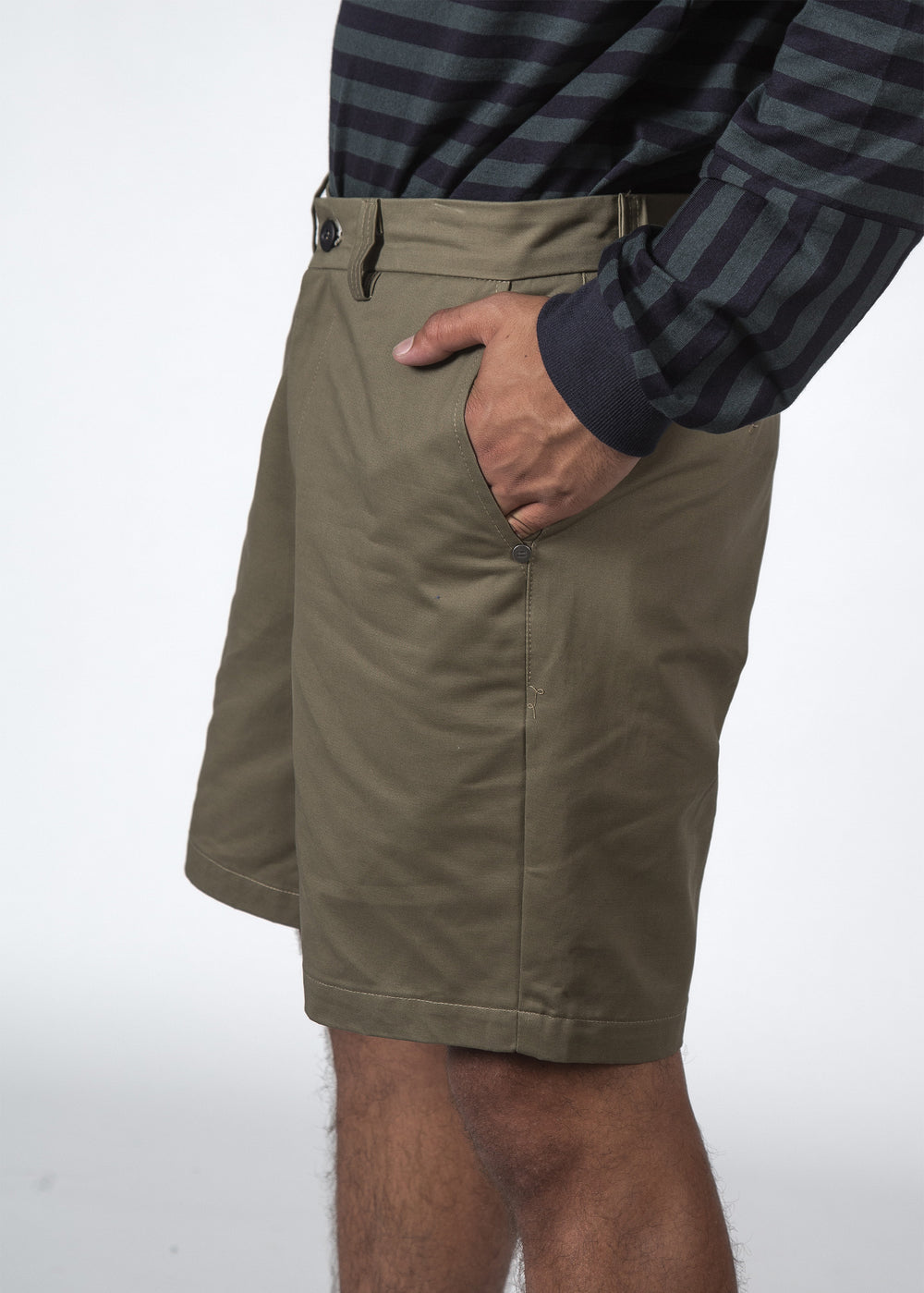 THE PACE SHORT KHAKI