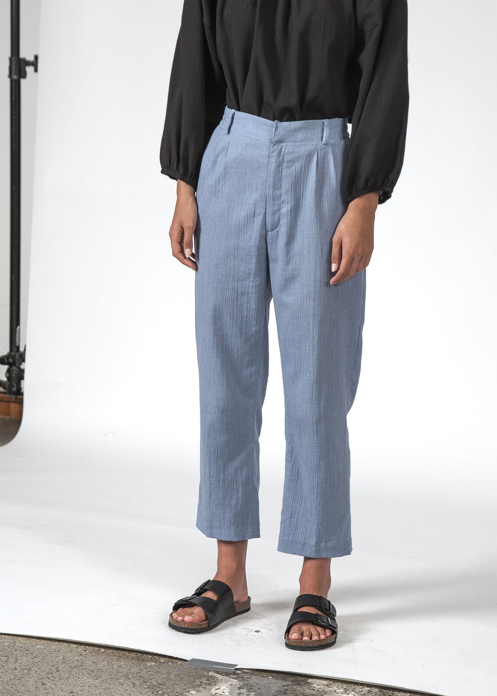 THE REMY PANT CHAMBRAY