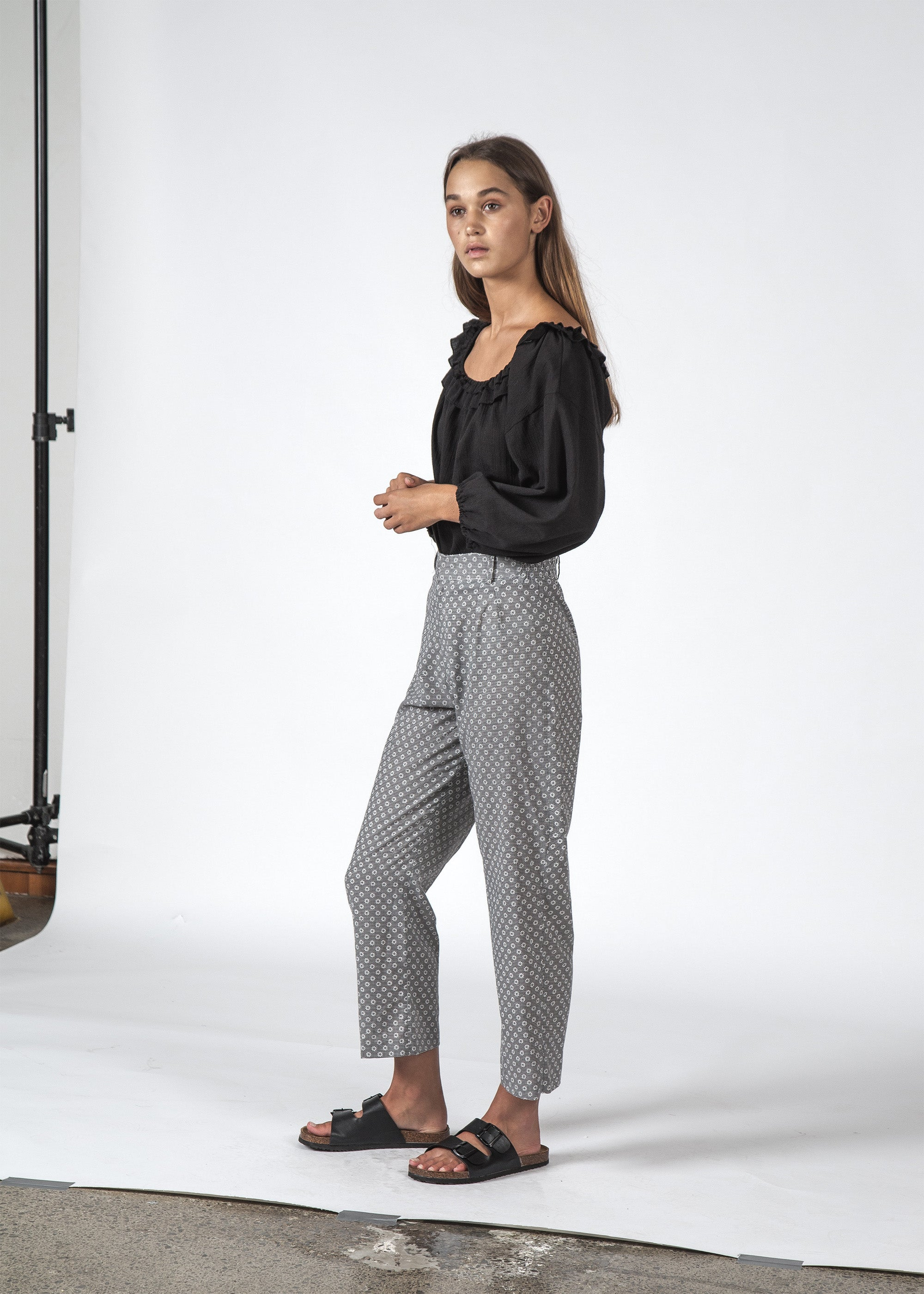 THE REMY PANT DAISY CHECK