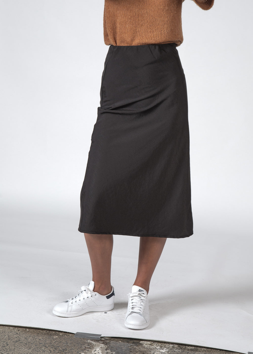 THE LOU SKIRT BLACK