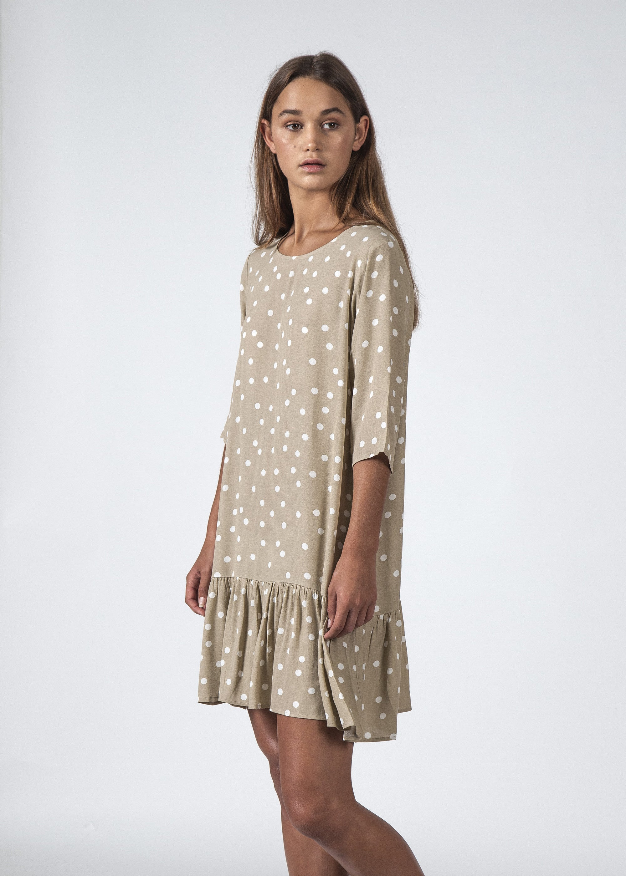 THE PHOEBE DRESS BEIGE POLKADOT