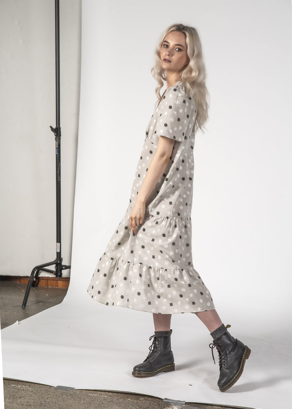 HAPPY DAYS DRESS - GREY DAISY