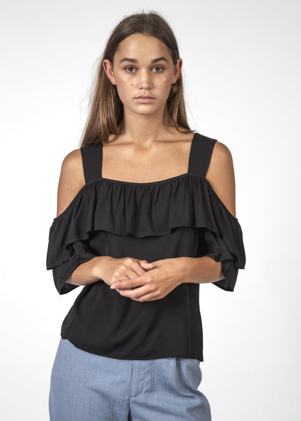 THE FOLLOWING TOP BLACK