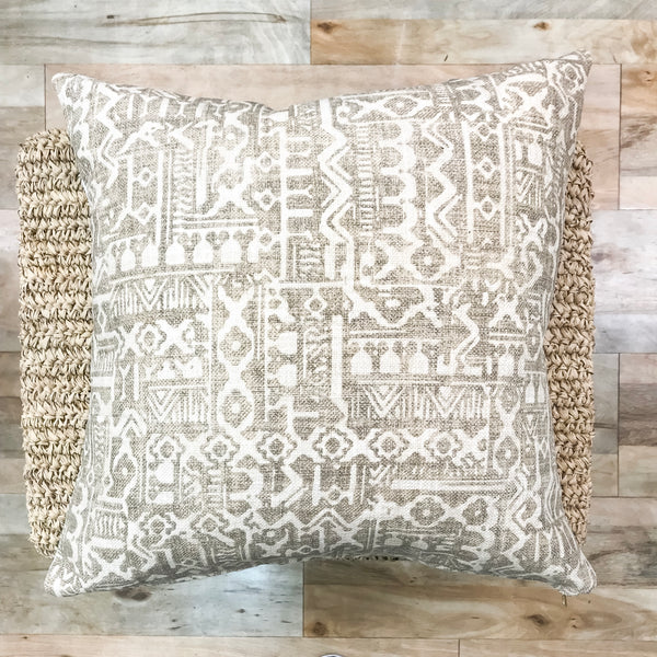 Neutral pillows with a elevated look - LOGAN - Studio Pillows