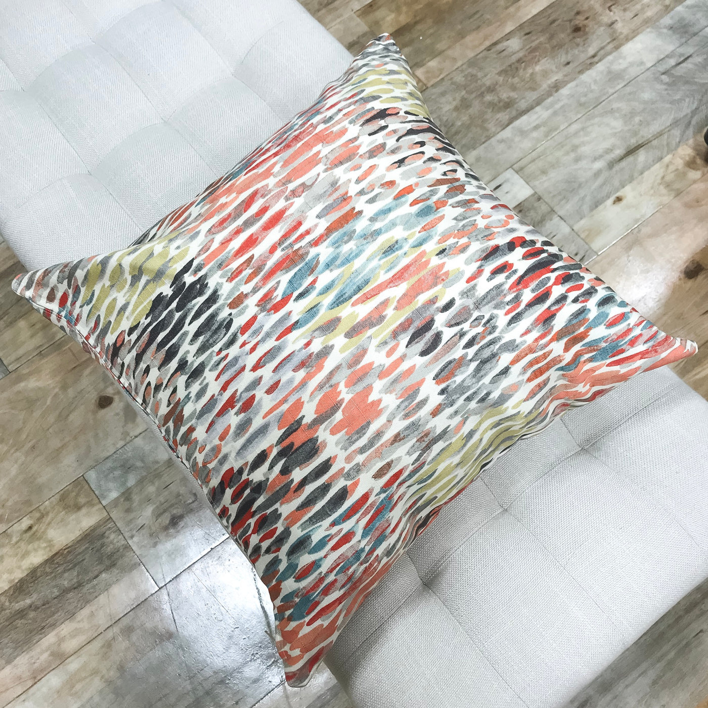 Improve your space with colorful pillows - DOLLY - Studio Pillows