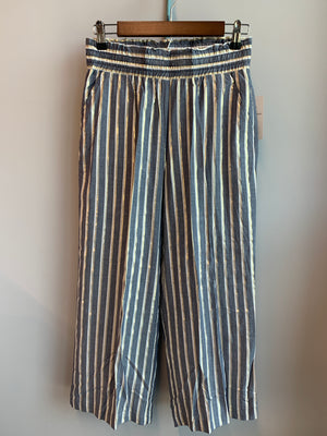 Straight pull-on wide Leg Pant