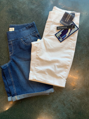 Pullon Bermuda shorts with pockets