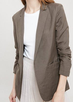 RUCHED SLEEVE BLAZER WITH POCKETS