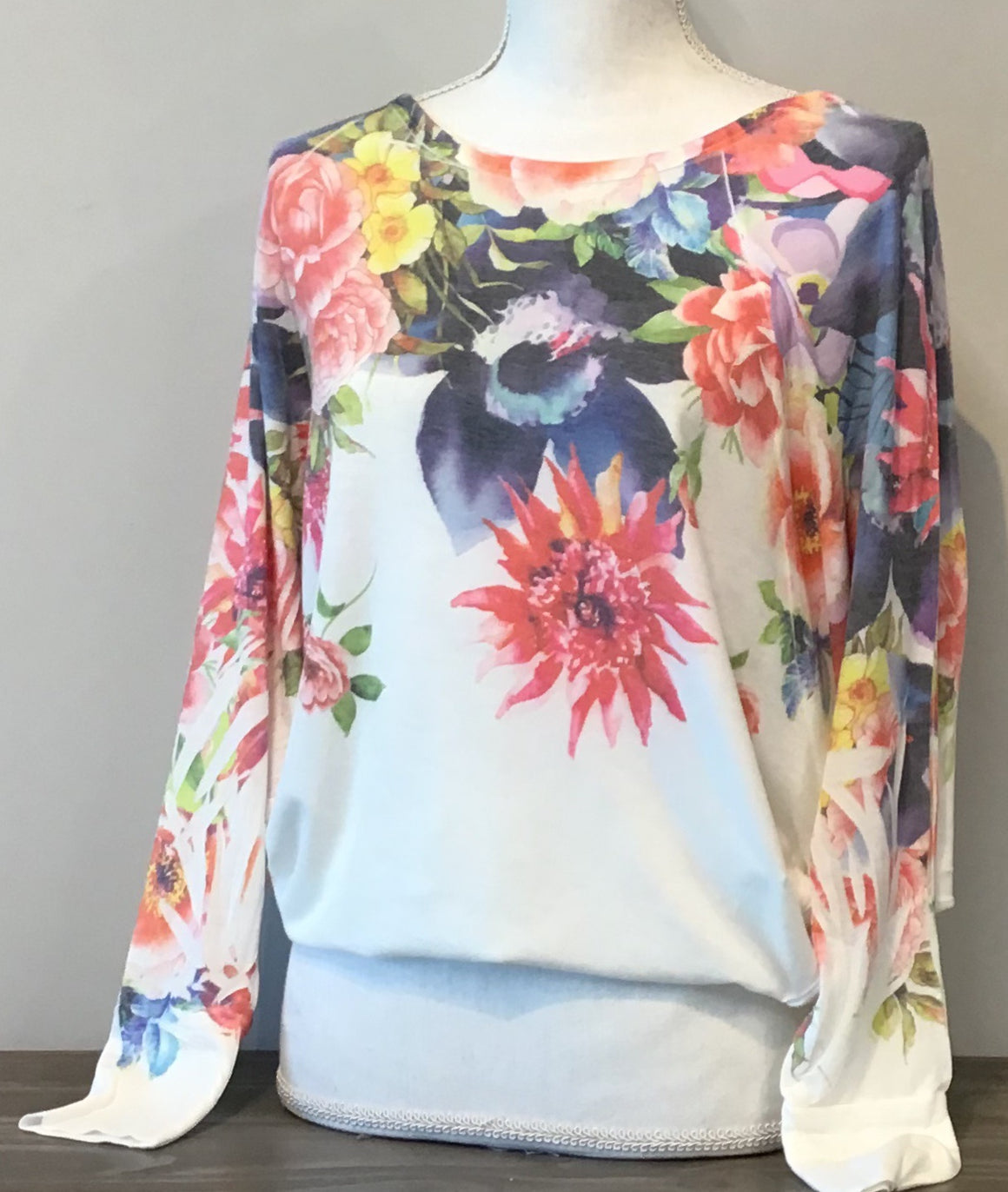 Bright Floral Scoop L/S Tee