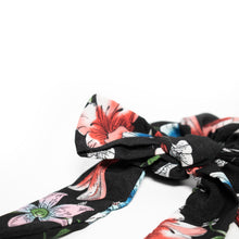 Load image into Gallery viewer, Small Scrunchie Scarf - Black Floral