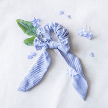 Load image into Gallery viewer, Forget Me Knot Scarf