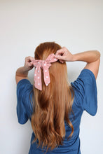 Load image into Gallery viewer, Polka Dot Scrunchie Scarves