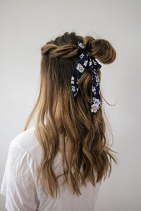 Small Scrunchie Scarf - Navy Floral